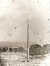 The Crystal Palace - raising the first Pillar at Sydenham 1852